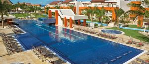 Make your booking of hotels and resorts through online